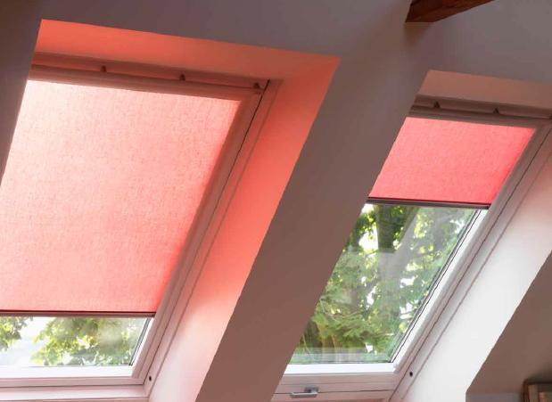 Рулонна штора VELUX RFL на направляючих для мансардних вікон штори Велюкс рулонная штора