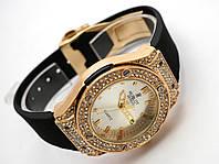 Женские часы HUBLOT - Geneve белый циферблат и черный ремешок