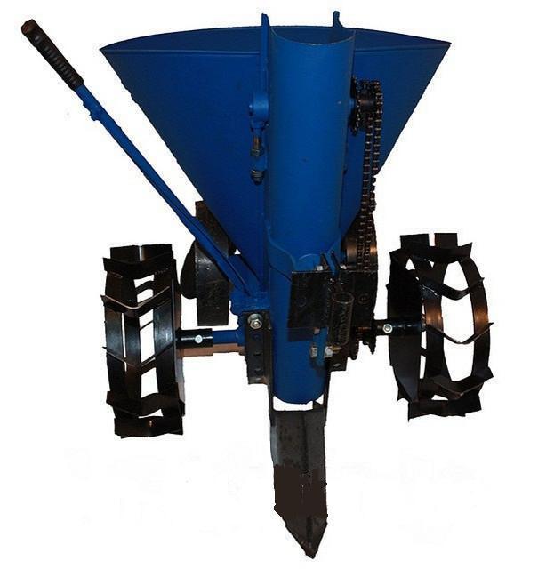Картофелесажалка Булат КСМ-3 цепная с бункером для удобрений, транспортировочными колесами