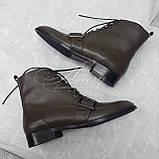 Женские ботинки из кожи на шнуровке цвета хаки, фото 3