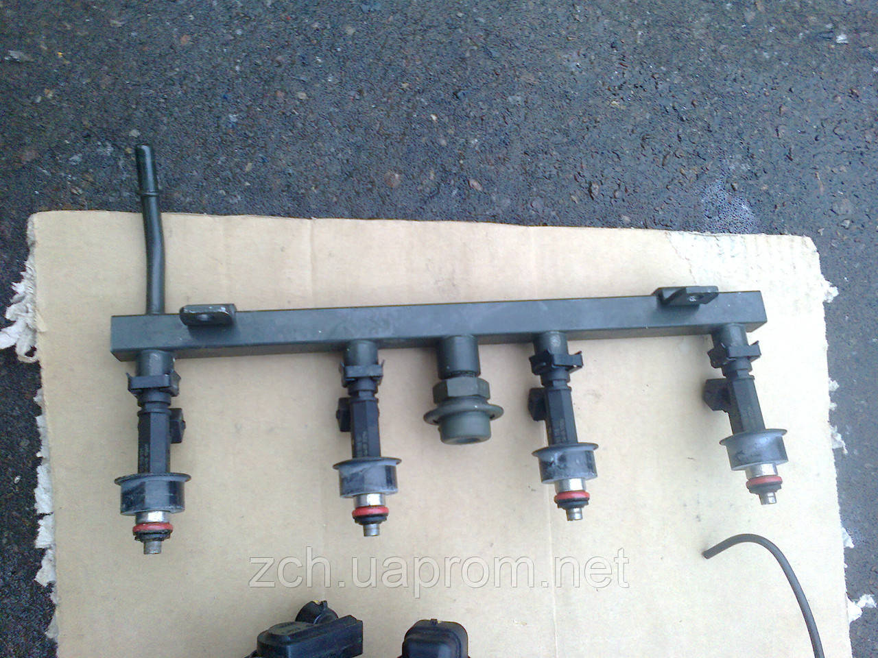Рейка топливная 1.6 и 1.8 Chevrolet Lacetti