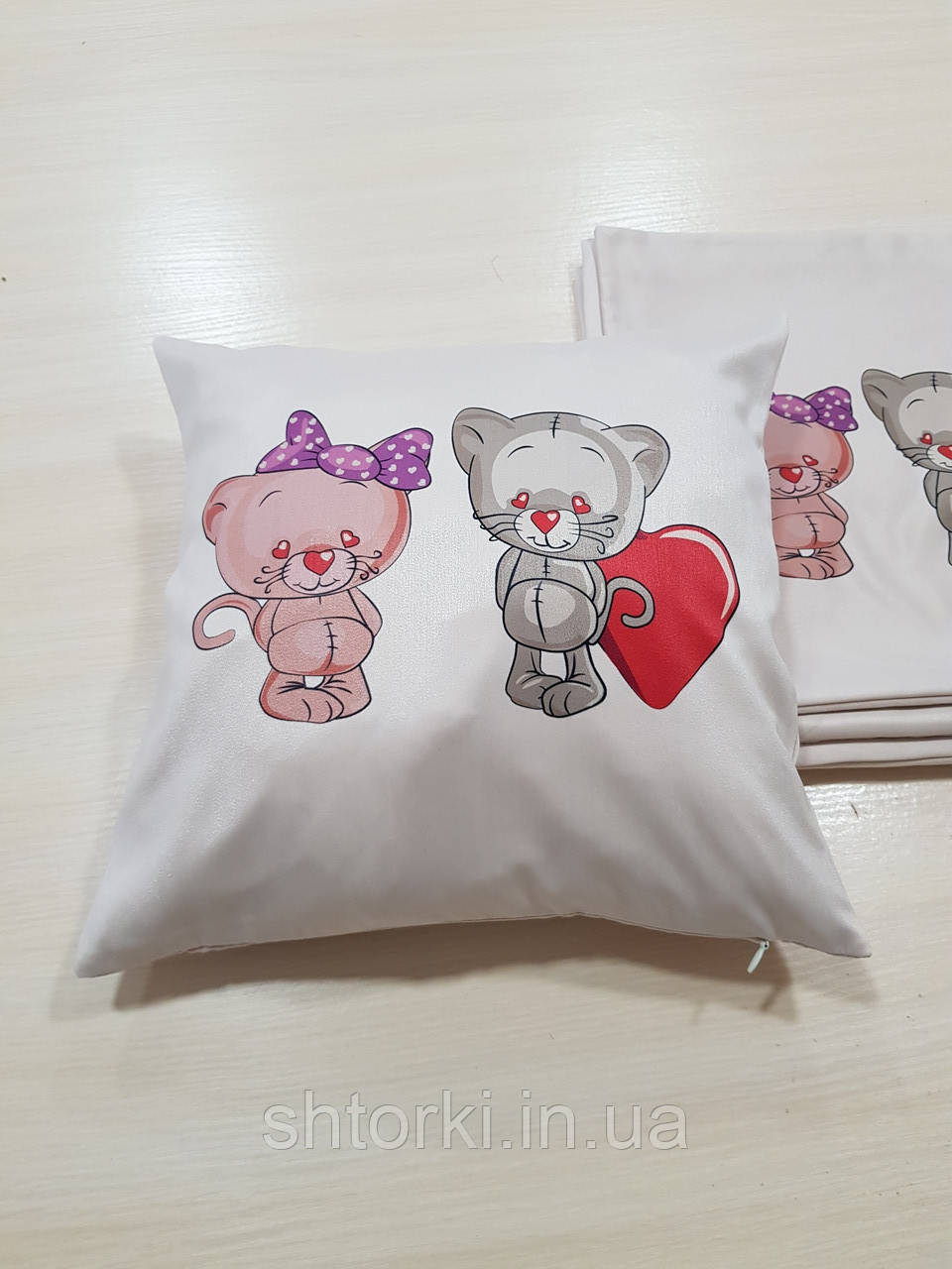 Подушка  Коты Любовь в подарок, 35х35см