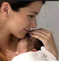 Преимущества контакта кожа-к-коже мамы и ребенка