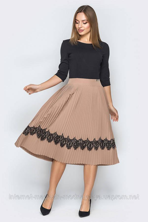 Платье-плиссе с кружевом № 18-73 р. S М L бежевый