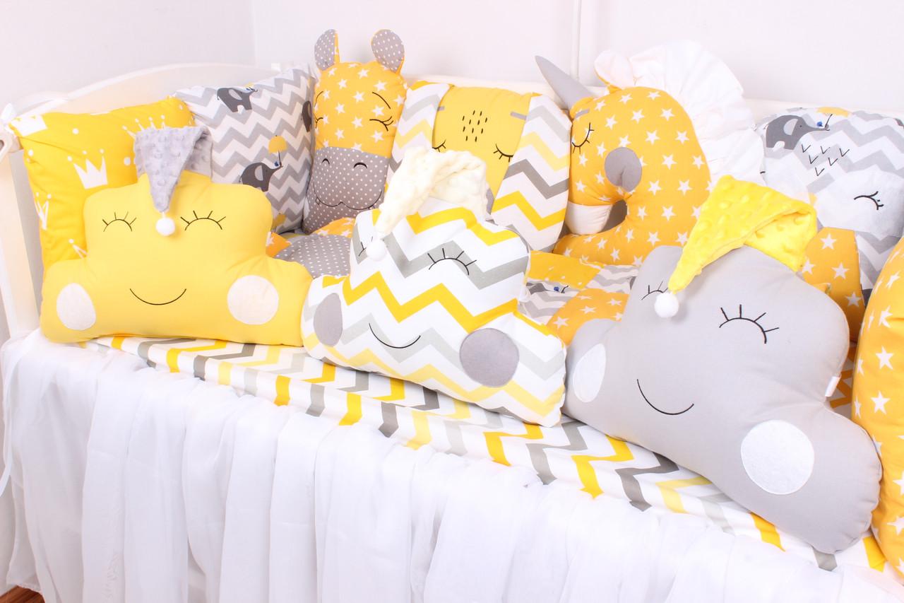 Комплект в дитяче ліжечко з тваринками жовто-сірих тонах