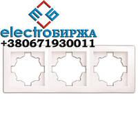 Рамка DELUX WEGA 9303 тройная белая