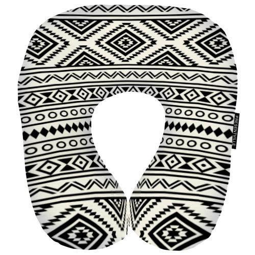 «Чорно-білий орнамент» - оригінальна дорожня подушка