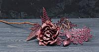 Цветок розы бархатной с декором в блестках вишневого цвета