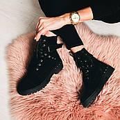 Чорні зимові натуральні черевики з заклепками