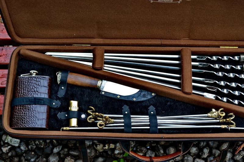 """Подарочный набор шампуров с ножом, флягой, мангалом """"Охота XXL"""""""