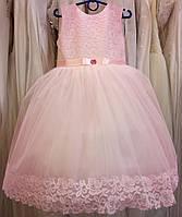 4.110 Необычное розовое нарядное детское платье-маечка из гипюра на 4-6 лет