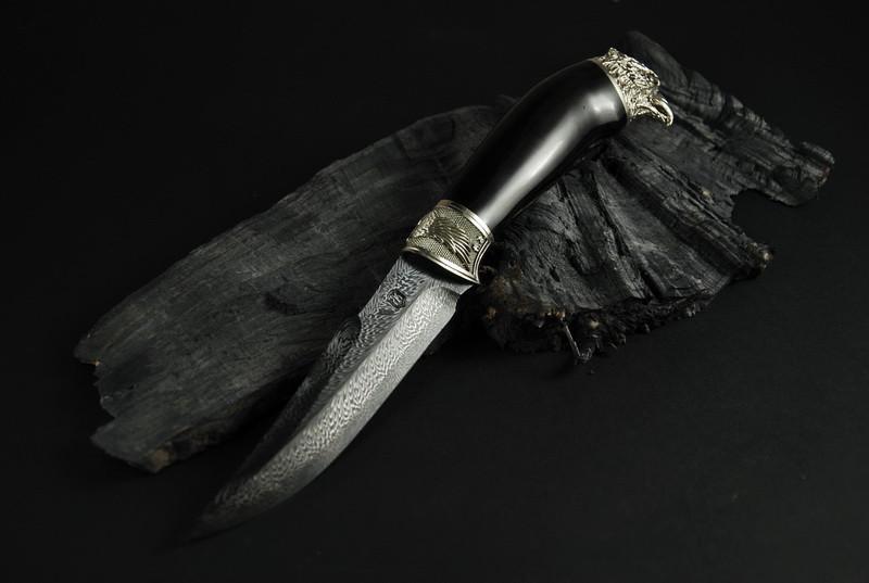 """Дизайнерский нож из мозаичного дамаска, инкрустированный камнями """"Сокол"""""""