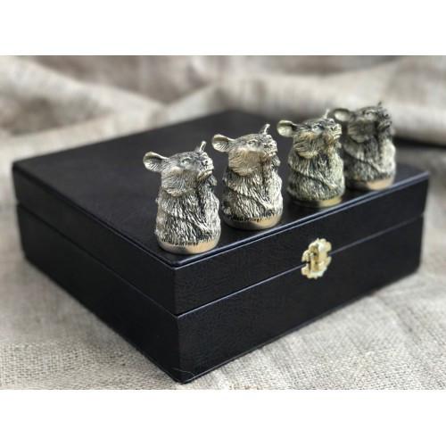 """Чарки подарочные из бронзы """"Медведи"""" в кейсе из эко-кожи, 4шт."""