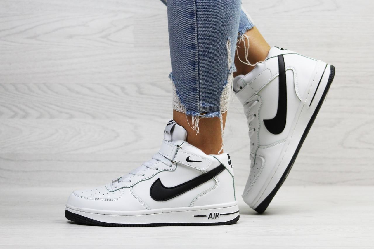 da74132a Высокие зимние кроссовки Nike Air Force,белые с черным 41 - купить ...