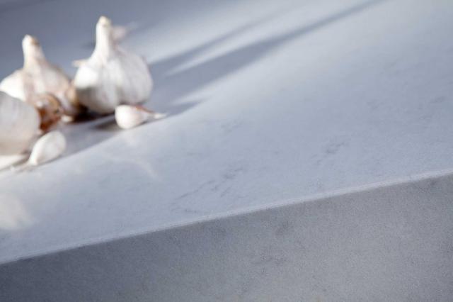 Кухонная Cтолешница искусственный кварцевый камень Silestone Lagoon - Photo