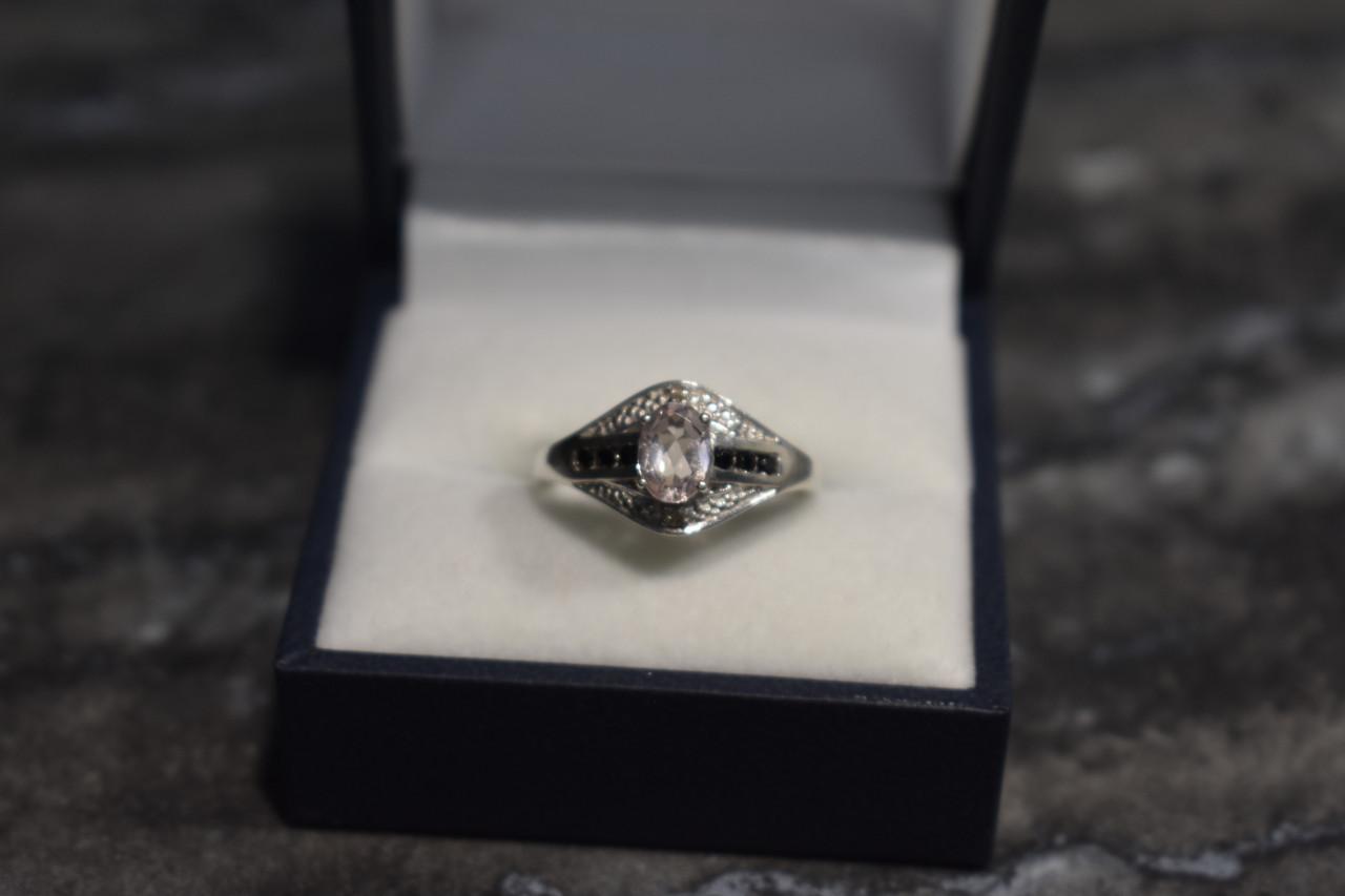Серебряное кольцо 925 проба с Морганитом