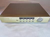 Видеорегистратор H.264 сетевой регистратор DVR XKA-7804 на 4камеры и 1 аудиовход в формате с выходом интернет