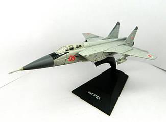 Модель Легендарні літаки (ДеАгостини) МІГ-31ДЗ (1:146)