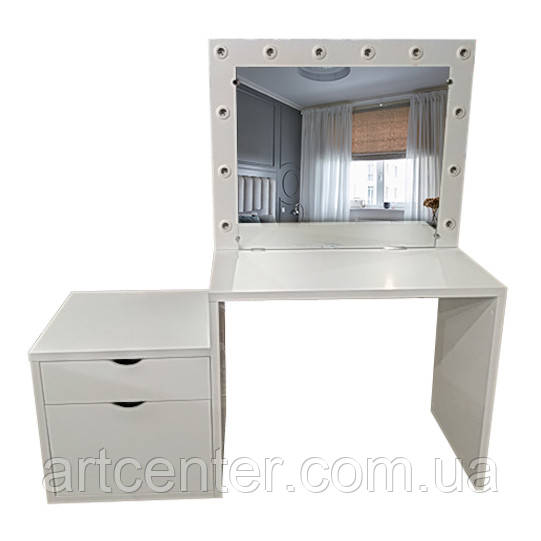 Туалетный стол с утолщенной столешницей, тумбой и гримерным зеркалом