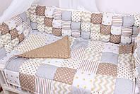 Бортики бомбон и игрушки в кроватку в бежевых цветах , фото 6