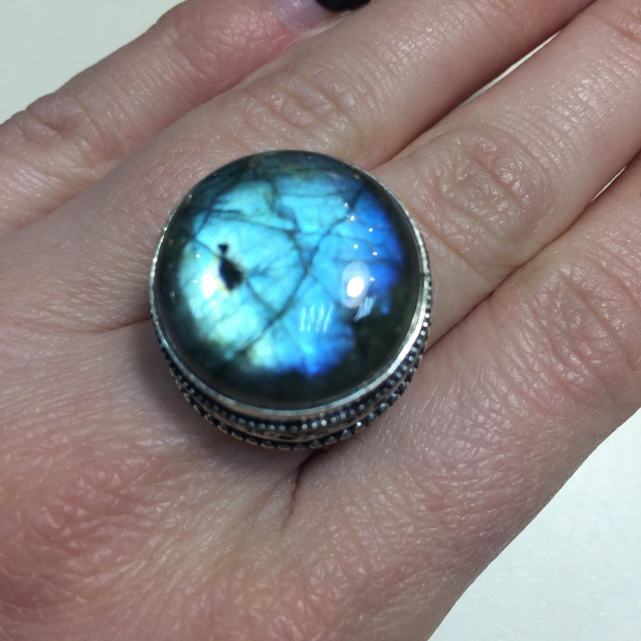 Круглое кольцо лабрадор в серебре. Кольцо с лабрадором 17,3 размер Индия!