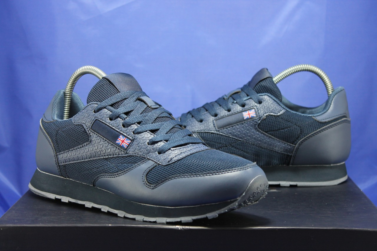 Сині чоловічі легкі кросівки в стилі Reebok Classic