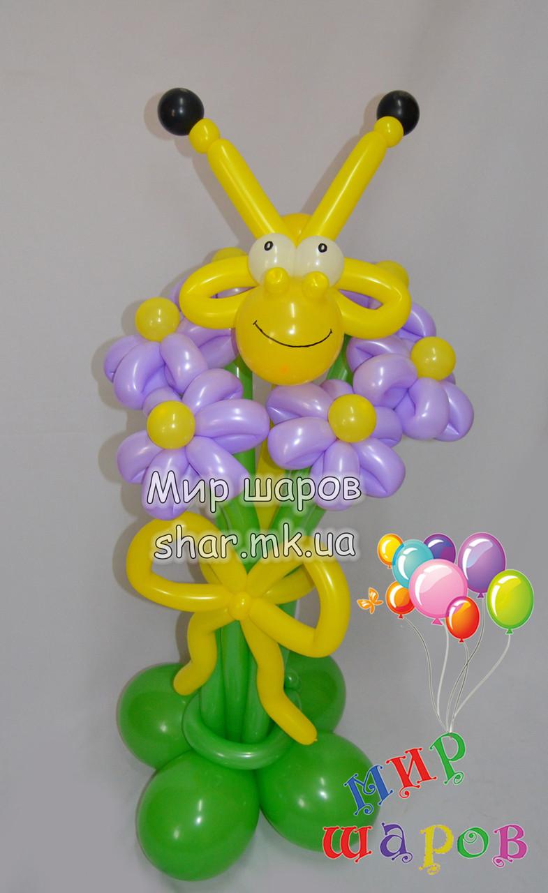Букет цветов с жирафом из воздушных шаров