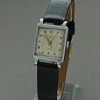 Сура винтажные механические часы СССР , фото 1