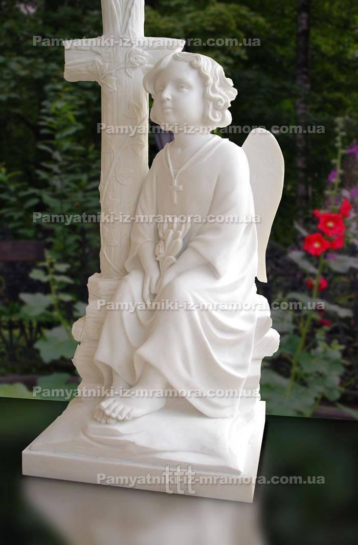 Мраморный ангел с крестом № 4