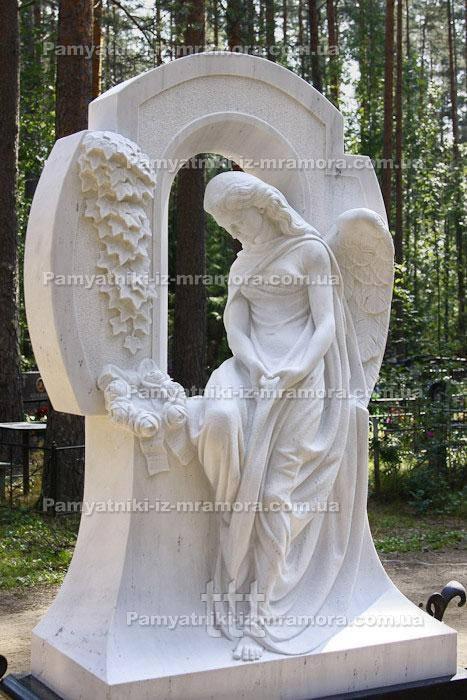 Скорбящий ангел на тумбе  Арфы №40
