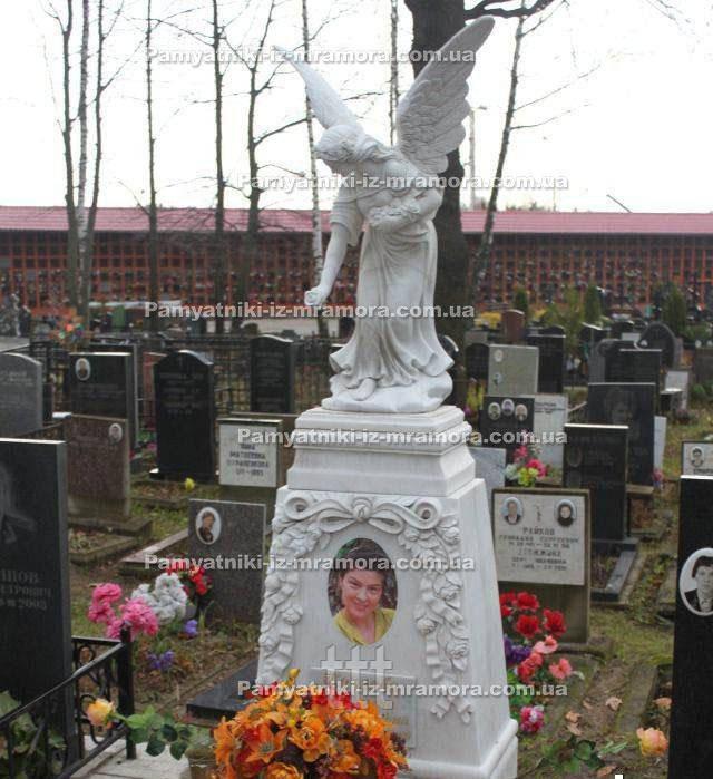 Ангел из мрамора и цветами №41