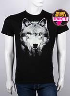 Стильная мужская футболка с светящимся рисунком волка