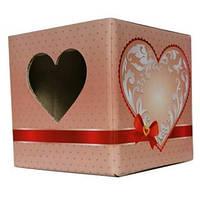 Упаковка для кружки картонная с крышкой с окном в виде сердце (розовая)