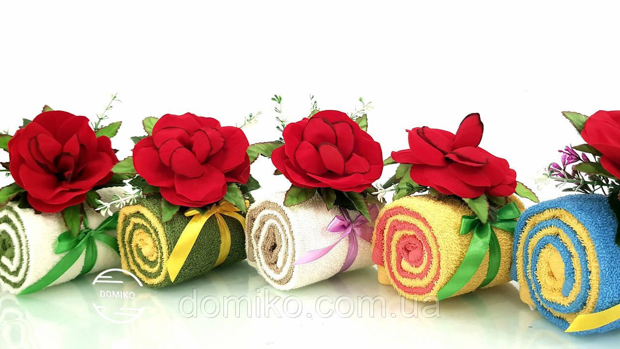 Подарок из махровых полотенец Рулет с бархатной розой Domiko