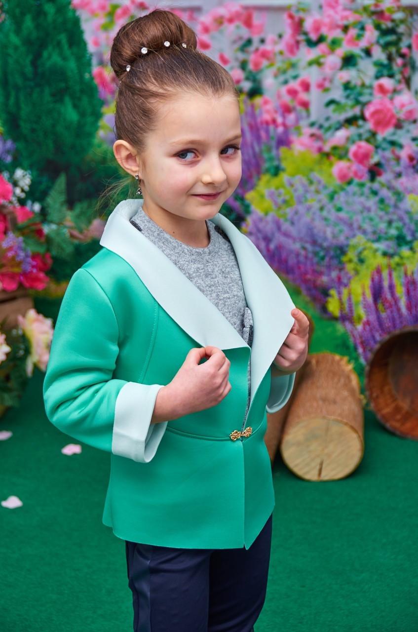Пиджак для девочки мятный с молочным отворотом р. 122-140