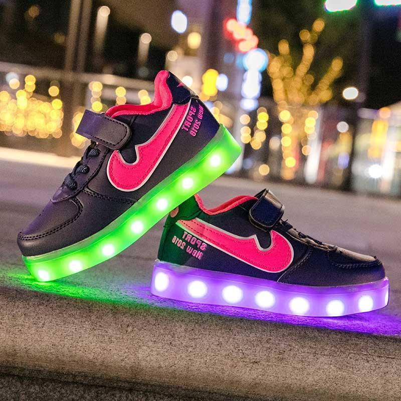 Кроссовки с подсветкой Спорт
