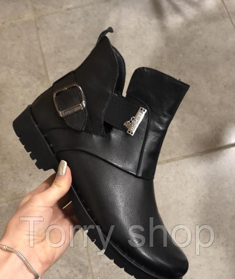Женские кожаные ботинки на низком ходу
