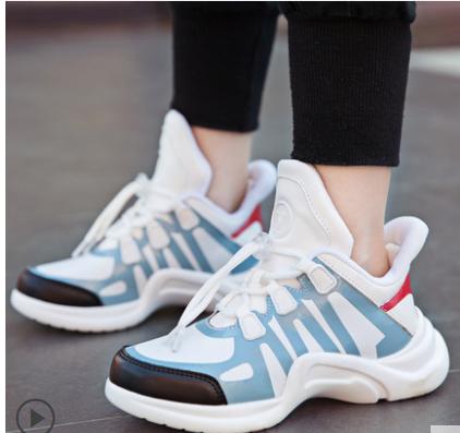 Детские новые весенние кроссовки