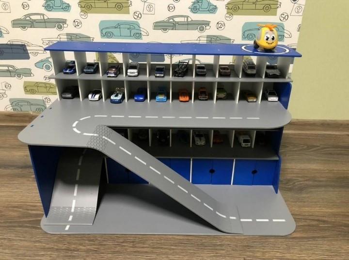 Парковка с гаражами для машинок HR