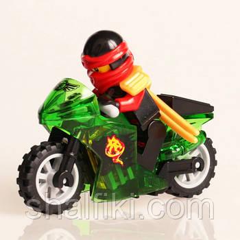 """Нинздя огня Кай на зелёном мотоцикле (Ниндзяго)"" фигурка совместимая с Лего"