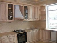 Кухня с коричневой палитрой