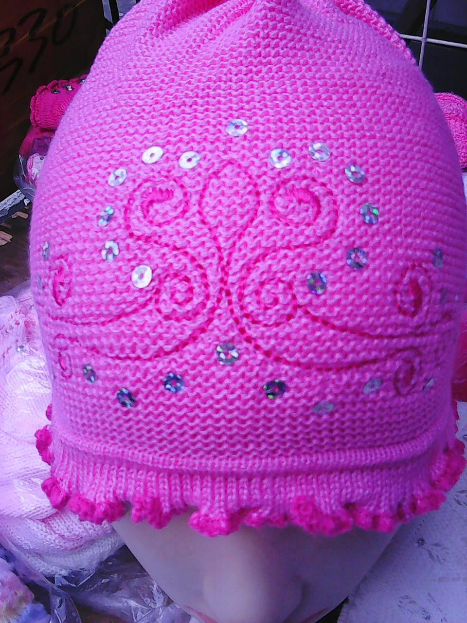 Весенняя  шапочка для девочки с завязками