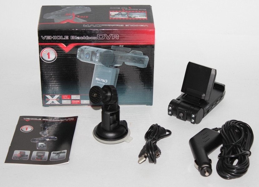 Видеорегистратор с двумя камерами V17