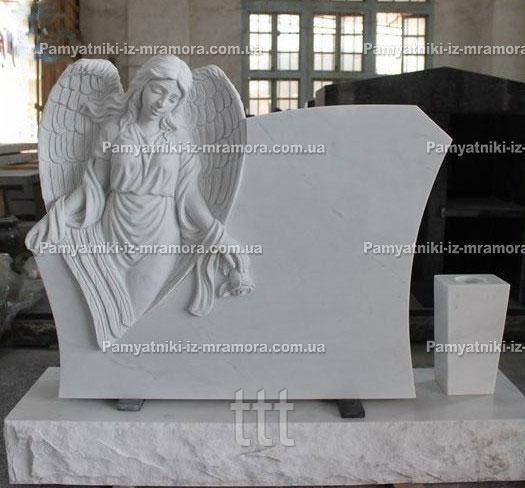 Памятник мраморный ангел по колени с розочкой №58