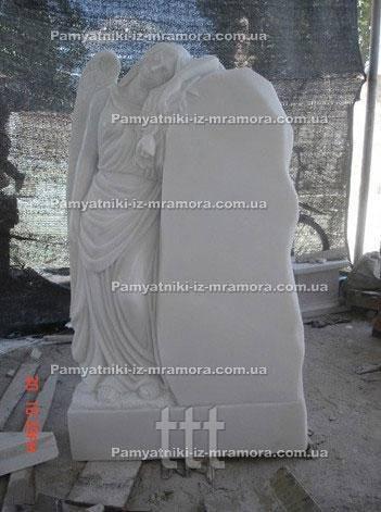 Памятник Ангел из мрамора с розой №59