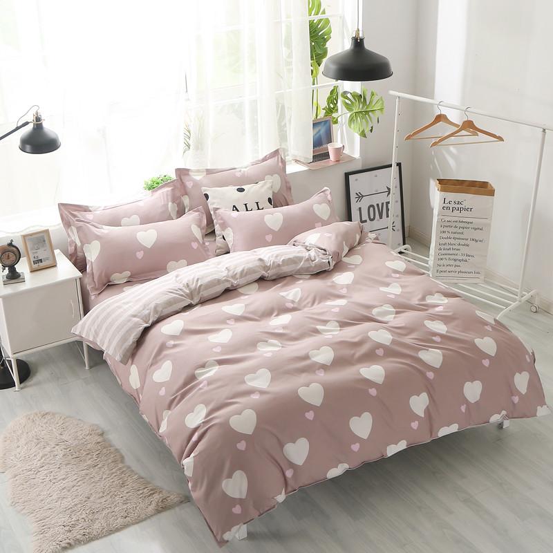 Комплект постельного белья Белое сердце с простынью на резинке (двуспальный-евро) Berni Home