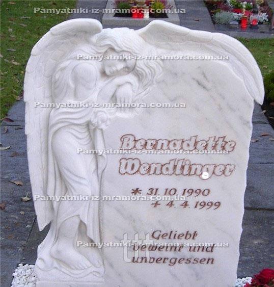 Памятник с ангелом на могиле из мрамора №61