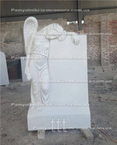 Надгробие с мраморным ангелом №65