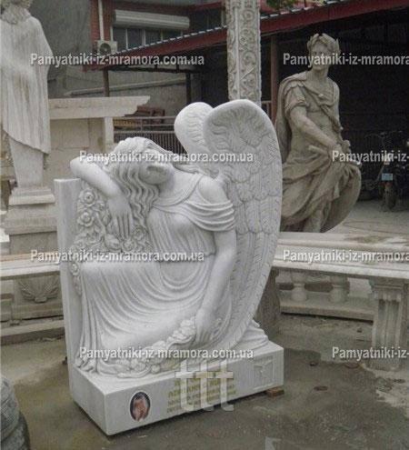 Памятник с ангелом из белого мрамора №66
