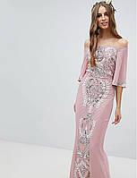 Женское розовое длинное платье, декорированное камнями и бусинами